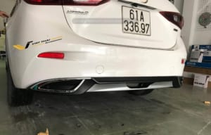 Líp chia bô sau Mazda 3 Sport