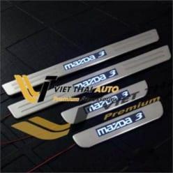 Ốp bậc chân ngoài led Mazda 3