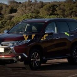 Nẹp Viền Chân Kính Mitsubishi Pajero Sport